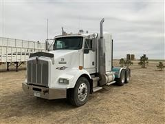 2001 Kenworth T800 T/A Truck Tractor