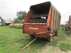 Gehl BU810 Forage Wagon