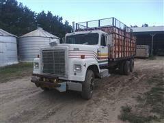 1984 International Transtar 4300 T/A Silage Truck
