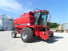 1996 Case International 2166 Combine