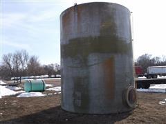 Upright 10,000 Gal Fiberglass Tank