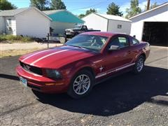 2005 Ford Mustang Car
