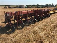 Krause 4750 8R30 Ripper/Cultivator