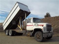 1979 Ford LT8000 Grain Truck