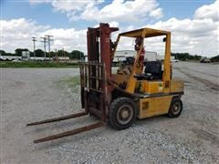 Nissan 25 Pneumatic Forklift