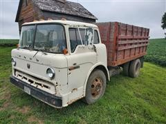 1970 Ford C600 S/A Cabover Grain Truck