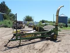 John Deere 3800 Pull Type Chopper W/3 Row 30 Head
