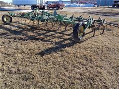 John Deere 1100 23' Hydraulic Fold 3 PT Field Cultivator