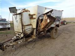 Henke 2240 Kwik Mixer Feeder Wagon W/Scale