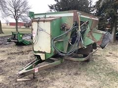 Henke Quick Mixer 240-247 Feed Wagon
