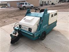 Tennant 235E Sweeper