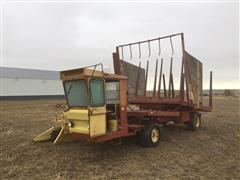 New Holland 1049 Stackcruiser Stack Wagon
