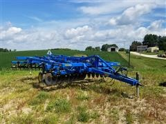 Landoll 2210 Chisel Plow