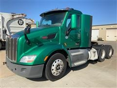 2015 Peterbilt 579 Daycab T/A Truck Tractor
