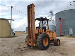 Case 586D 4WD Forklift