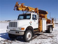 1992 International 4800 4X4 Digger Derrick Truck
