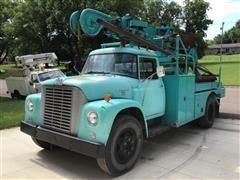 1962 International Loadstar 1700 S/A Digger Truck