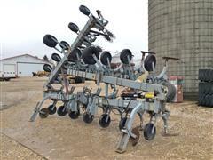 "Hiniker 1000 16-Row 30"" Cultivator"