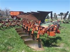 International 155 5-Bottom Roll-Over Plow