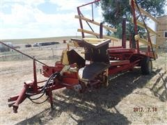 New Holland Stackliner 1002 Pull Type Bale Wagon