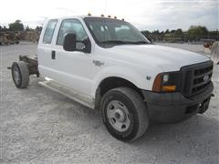2005 Ford F-350 XL Super Duty Cab & Chassis