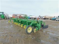 John Deere 886 8R30 Cultivator