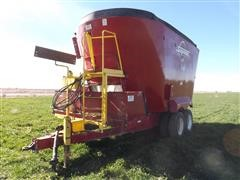 2014 Supreme 1600T Twin Rotary Auger Mixer Feeder Wagon
