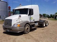1999 Volvo VNM64T T/A Truck Tractor