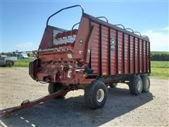 Meyer 4620 Front Unload Forage Wagon