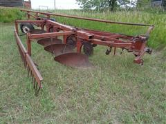 International 550 5 Bottom Plow