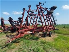 Case IH 5800/4300 Field Cultivator