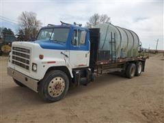 1982 International F2275 T/A 3000-Gal Water Truck