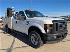 2009 Ford F350 XL Super Duty 4x4 Extended Cab Service Truck