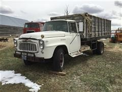 1960 International B180 S/A Grain Truck