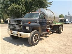 1989 Ford F800 S/A Liquid Tender Truck