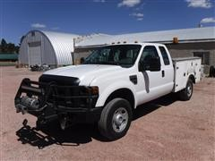 2009 Ford F350 XL Super Duty 4X4 Extended Cab Service Pickup
