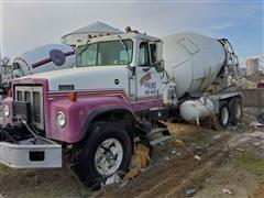 1982 International Paystar 5000 T/A Cement Truck