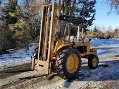 John Deere 2010 Rough Terrain Forklift
