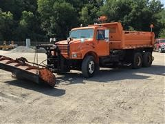 1999 International 4900 T/A Snow Plow Truck