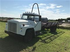 1973 International Loadstar 1600 T/A Hay Hauler Truck