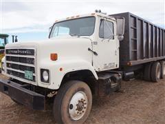 1979 International F2575 T/A Silage Truck w/ 22' Steel Box