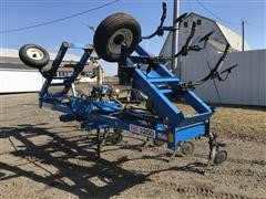 DMI 3250 NH3 Sidedress Bar