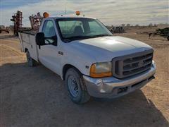 2001 Ford F250 2WD Pickup W/Service Bed For Parts
