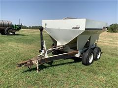 Willmar 500 5-Ton Dry Fertilizer Spreader