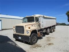 1982 Ford LNT9000 Grain Truck