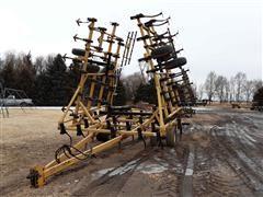 Landoll 1430-3604 37' Field Cultivator