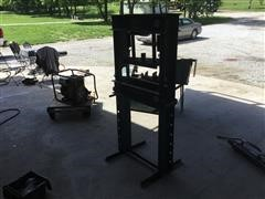 Carolina Industrial CBP1200 Press
