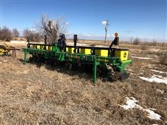 "2013 John Deere 1700 MaxEmerge XP 8R30"" Planter"