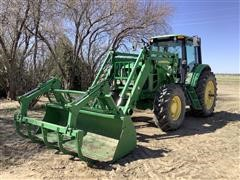 2009 John Deere 7230 MFWD Tractor w/ Loader