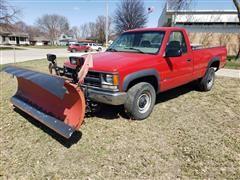 2000 Chevrolet K2500 4x4 Pickup W/Snow Pusher
